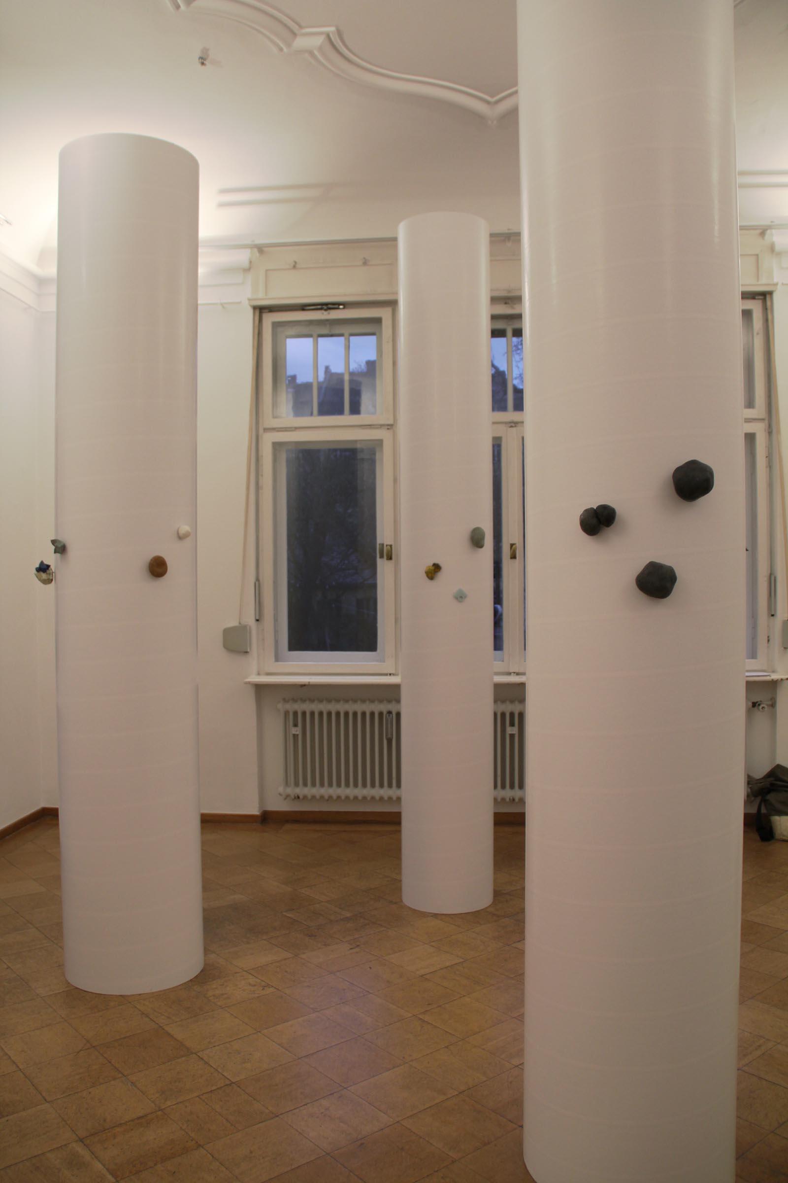 """""""A Flock of Pillars on Parade"""" I A trio show with Emma Price, Barbara Schrobenhauser and Carina ShoshtaryI 2012 I Seidlvilla, Munich, Germany I Photo: Carina Shoshtary"""