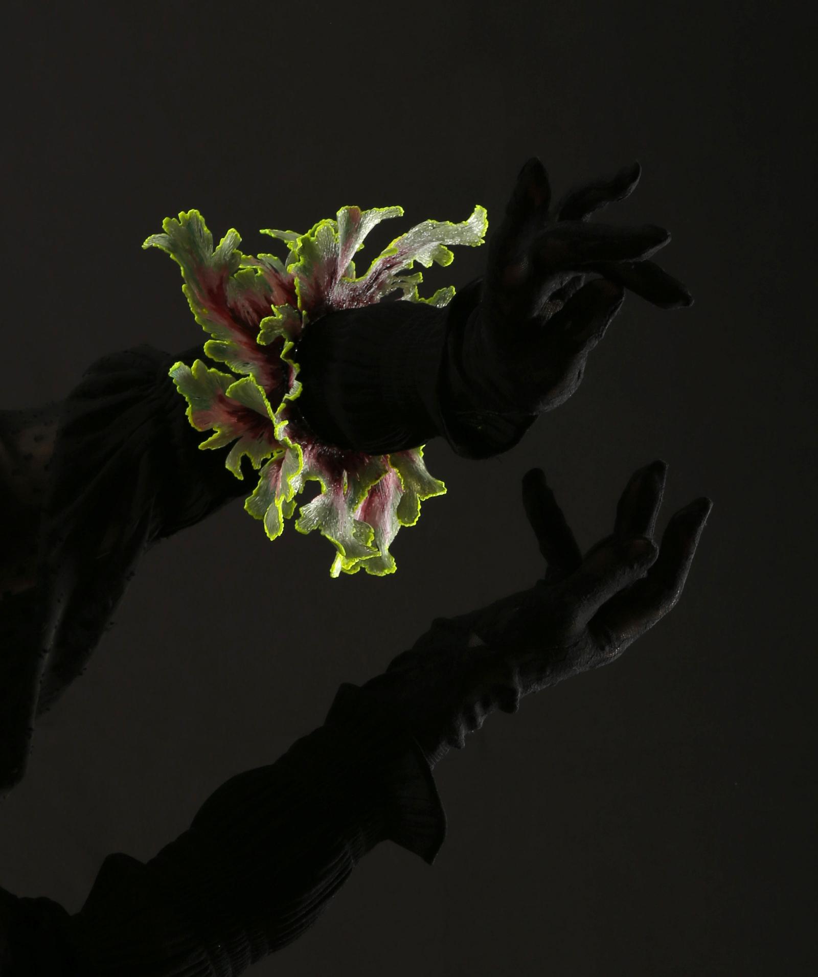 """""""Shapeshifters"""" I Bracelet, 2020 I PLA, stone, lacquer I Photo: Attai Chen"""