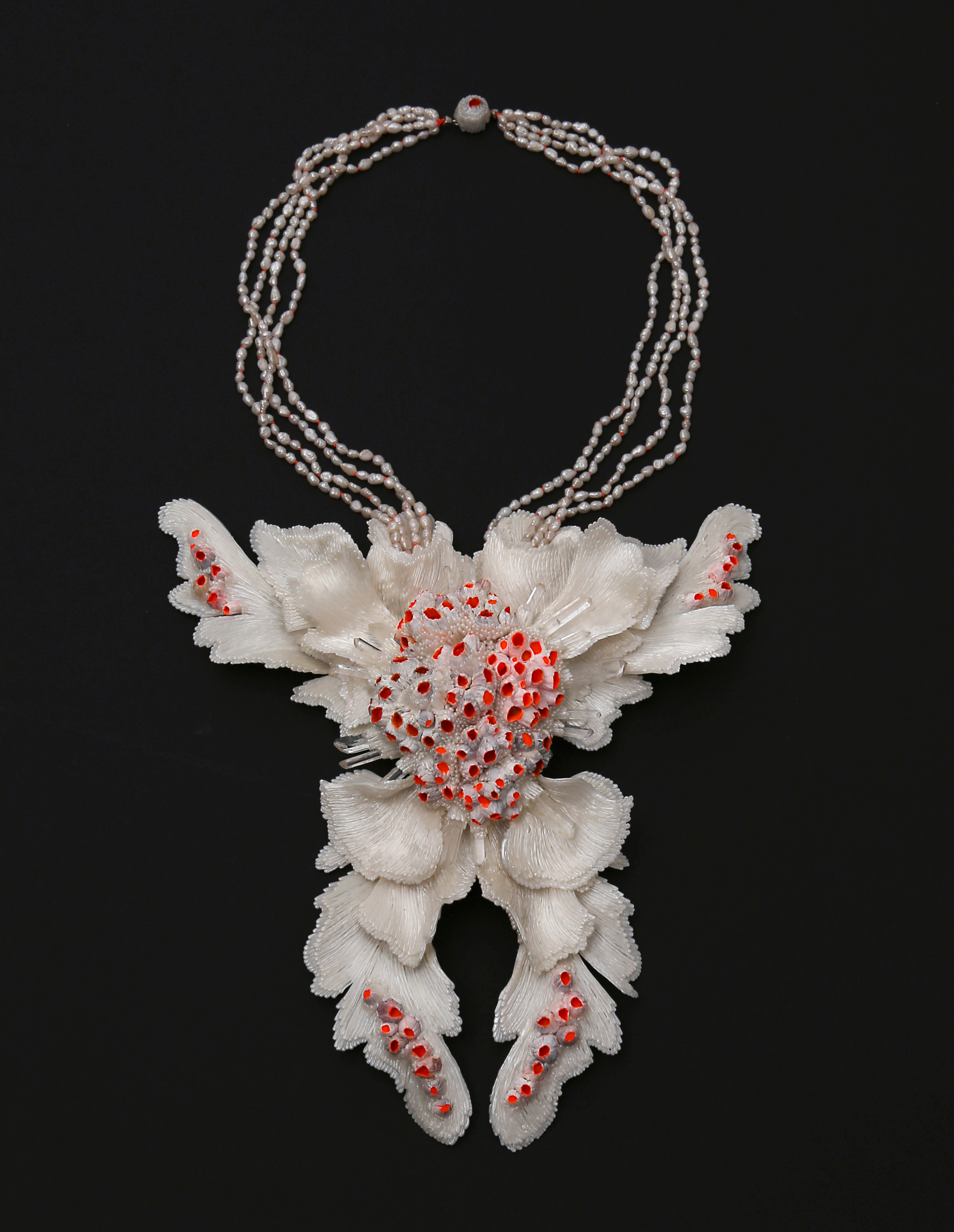 """Icarus II"" "" Necklace, 2020 I PLA, barnacles, second hand pearls, crystals, silver, paint I Photo: Carina Shoshtary"
