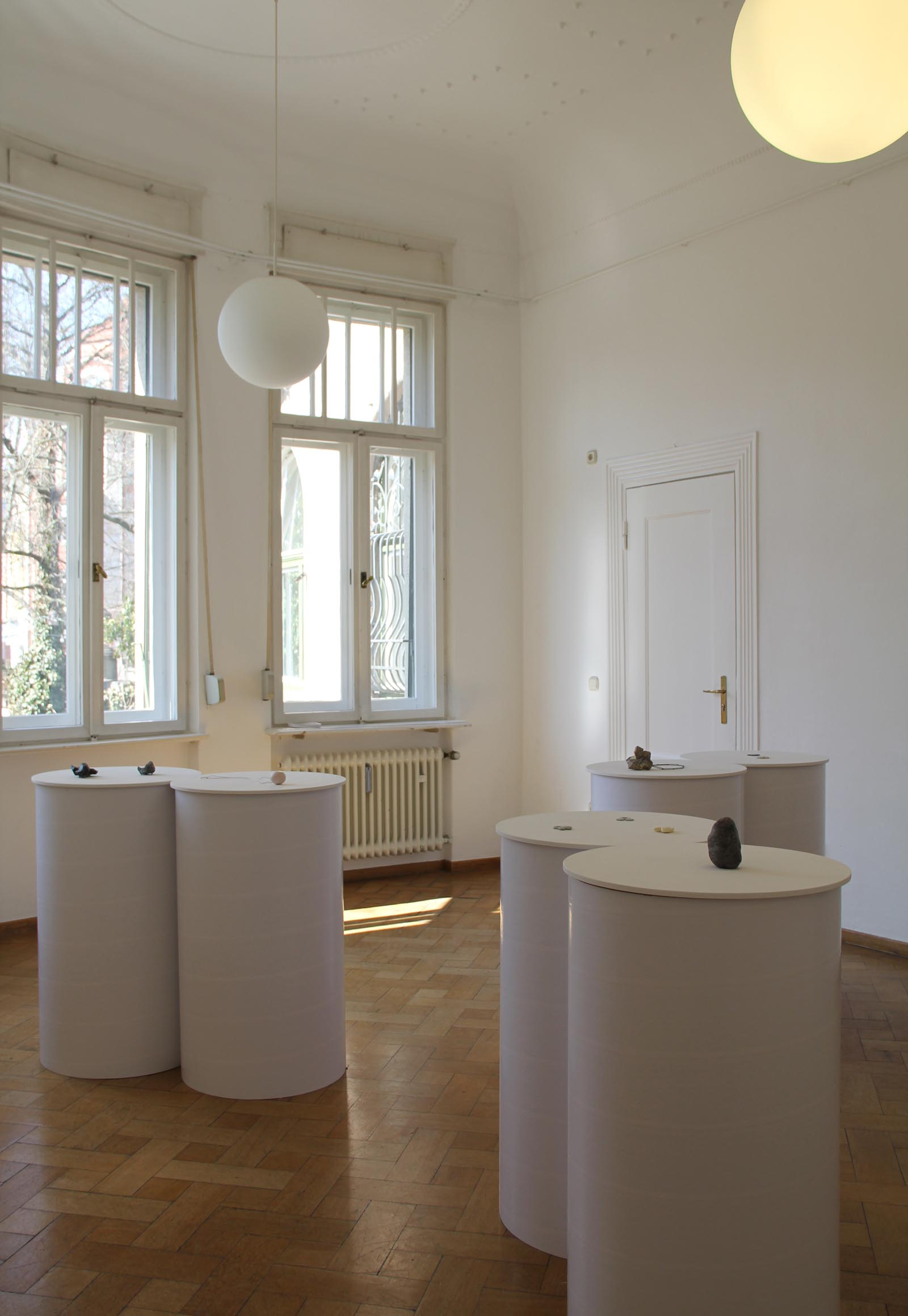 """A Flock of Pillars on Parade"" I A trio show with Emma Price, Barbara Schrobenhauser and Carina ShoshtaryI 2012 I Seidlvilla, Munich, Germany I Photo: Carina Shoshtary"
